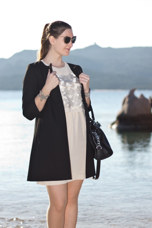 fashionblog_muenchen_modeblog_ana_alcazar_kleid_hallhuber_mantel_miu_miu_03