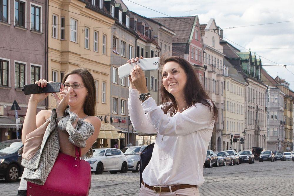 Augsburg_Innenstadt_Rathausplatz_Moritzplat_StUlrich_03
