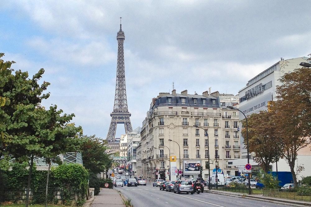paris_hotel_platine_colonnes_de_buren_louvre_eiffelturm_galerien_01