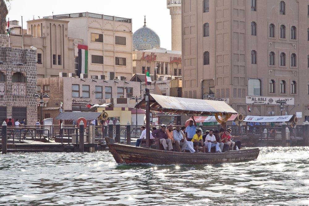 dubai_VAE_UAE_abra_burjkhalifa_jumeirahbeach_17