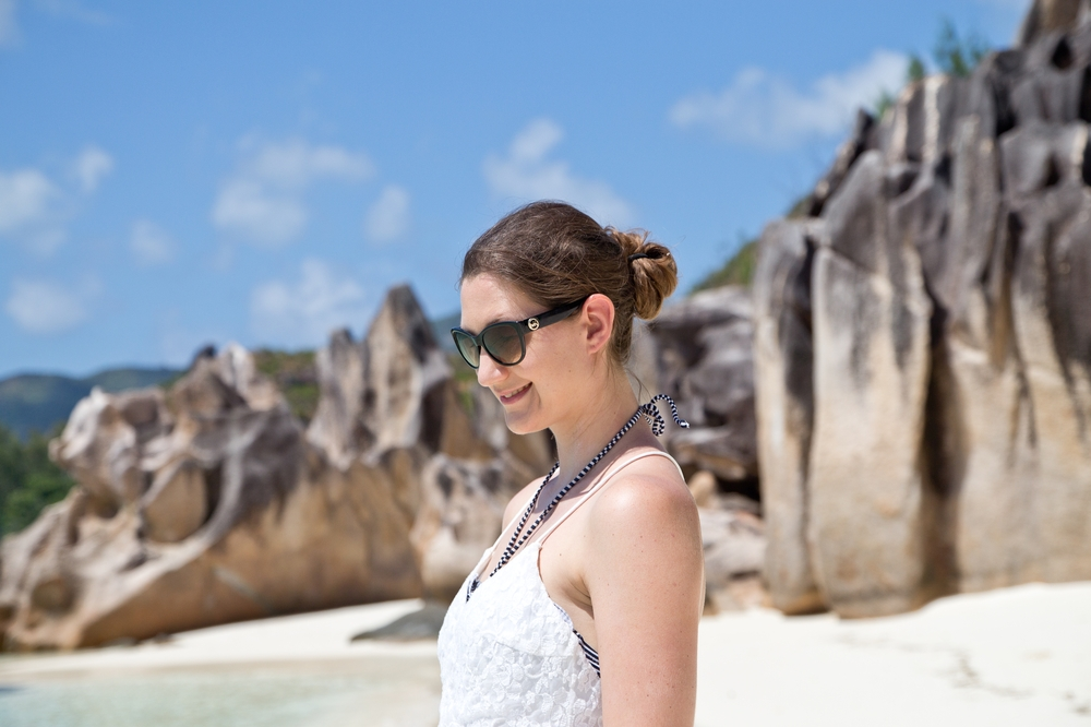 outfit_white_dress_seychellen_curieuse_island_08