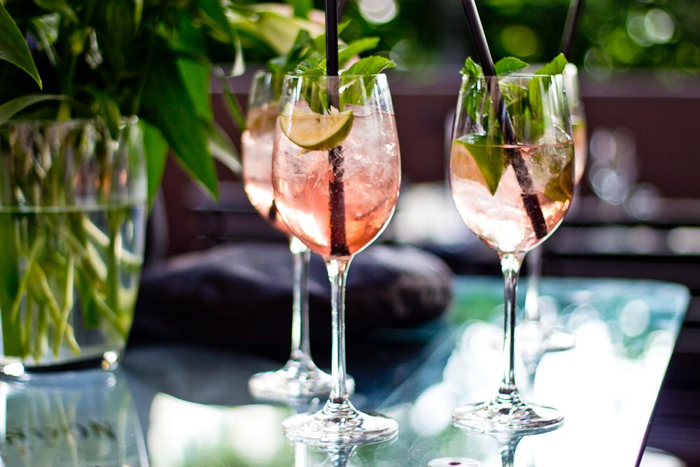 HEART_Munich_Event_Terrasse_Bar_Restaurant_Bloggers_Table_Drinks_Summer_04