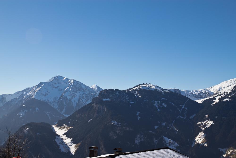 oesterreich_winter_wochenende_ski_rodeln_tirol_hainzenberg_gerloss_zell_ziller_arena_touareg_vw_offroad_mietwagen_hotel_theresa_02