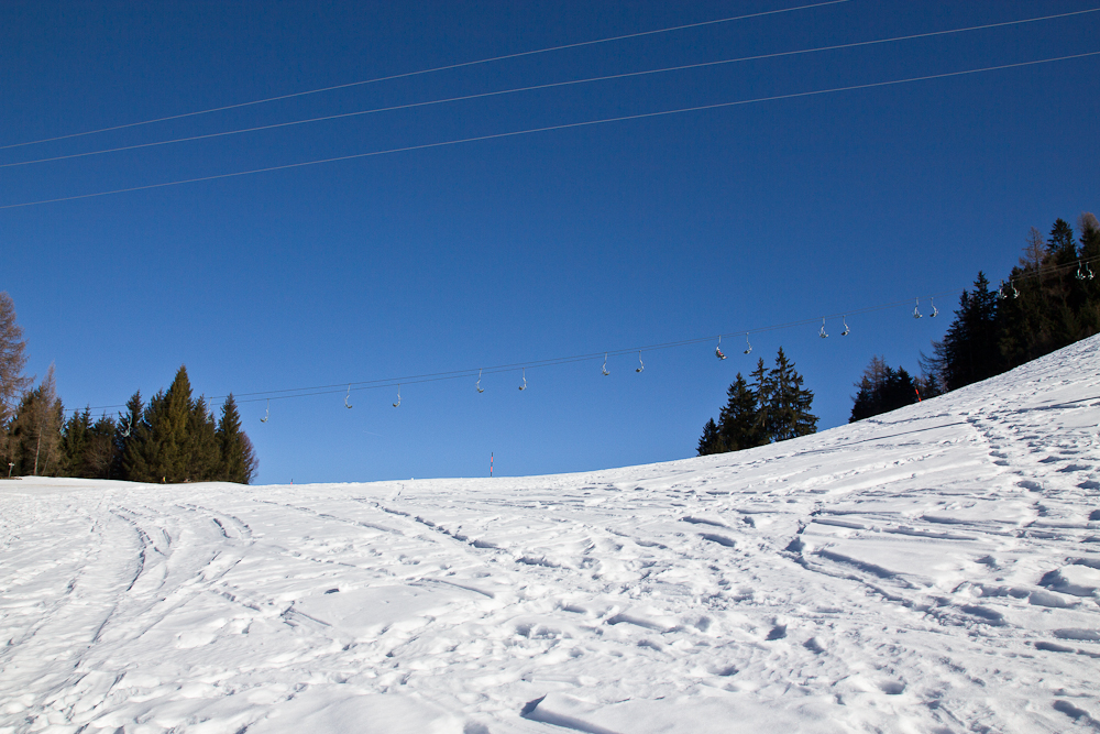 oesterreich_winter_wochenende_ski_rodeln_tirol_hainzenberg_gerloss_zell_ziller_arena_touareg_vw_offroad_mietwagen_hotel_theresa_03