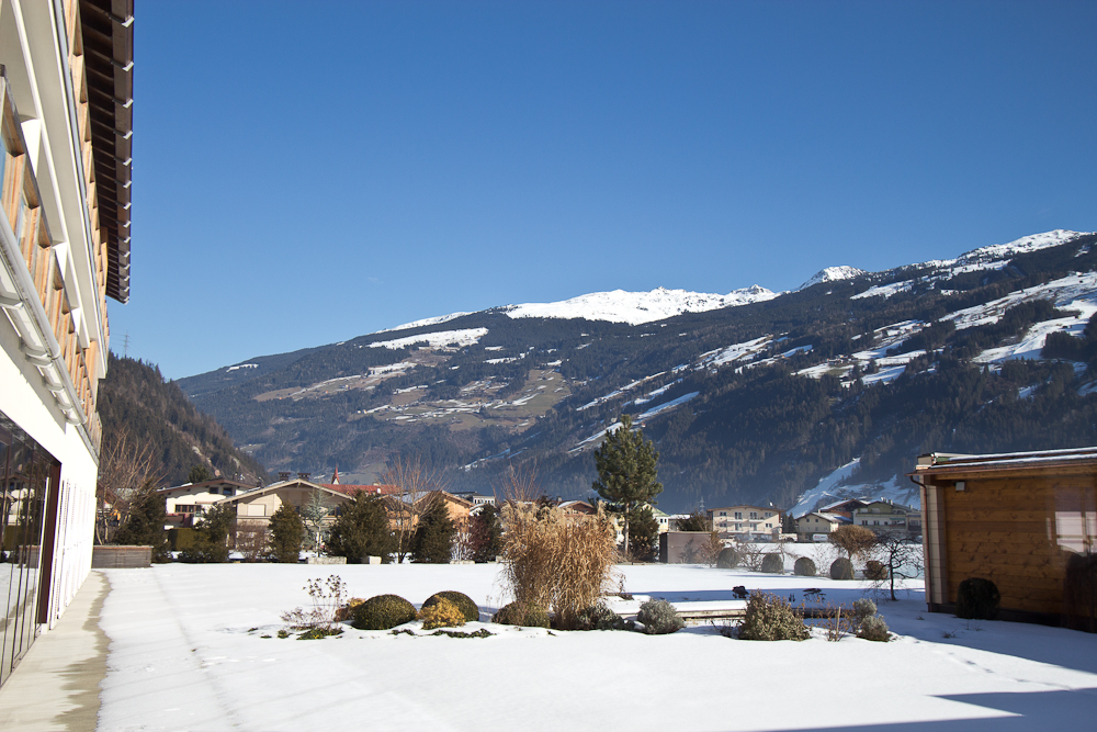 oesterreich_winter_wochenende_ski_rodeln_tirol_hainzenberg_gerloss_zell_ziller_arena_touareg_vw_offroad_mietwagen_hotel_theresa_17