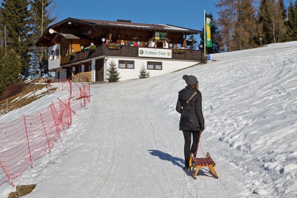 oesterreich_winter_wochenende_ski_rodeln_tirol_hainzenberg_gerloss_zell_ziller_arena_touareg_vw_offroad_mietwagen_hotel_theresa_32