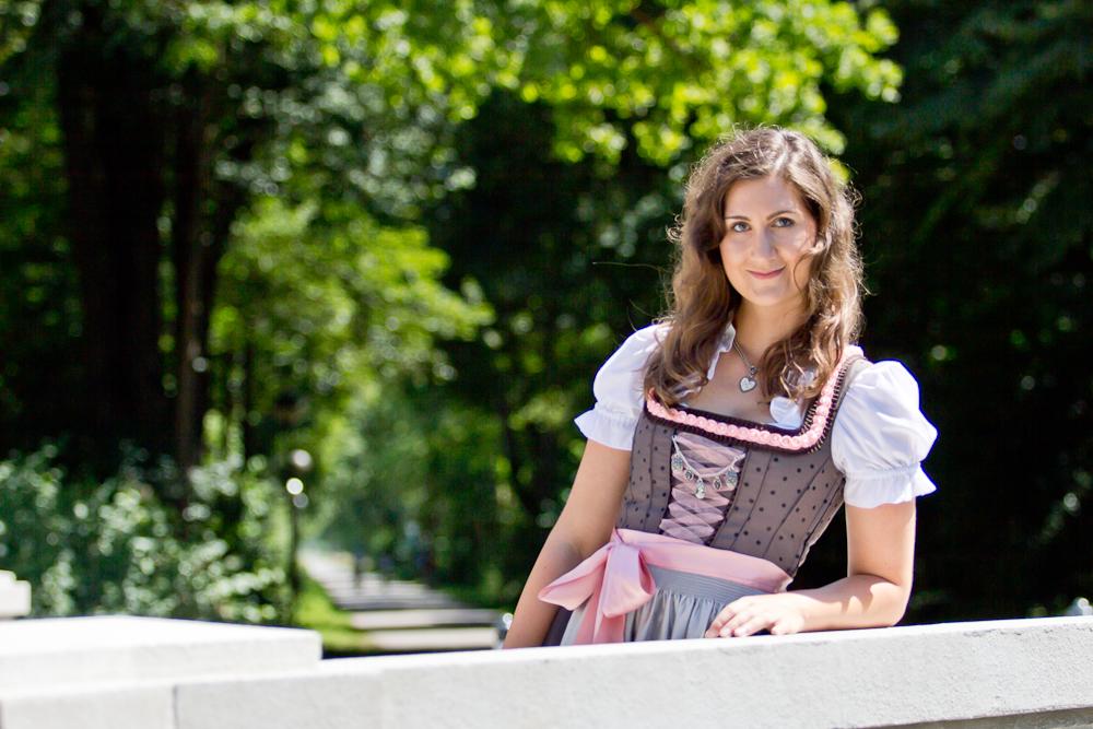 dirndl_tracht_rosa_hirsch_countryline_fashionblog_muenchen_4