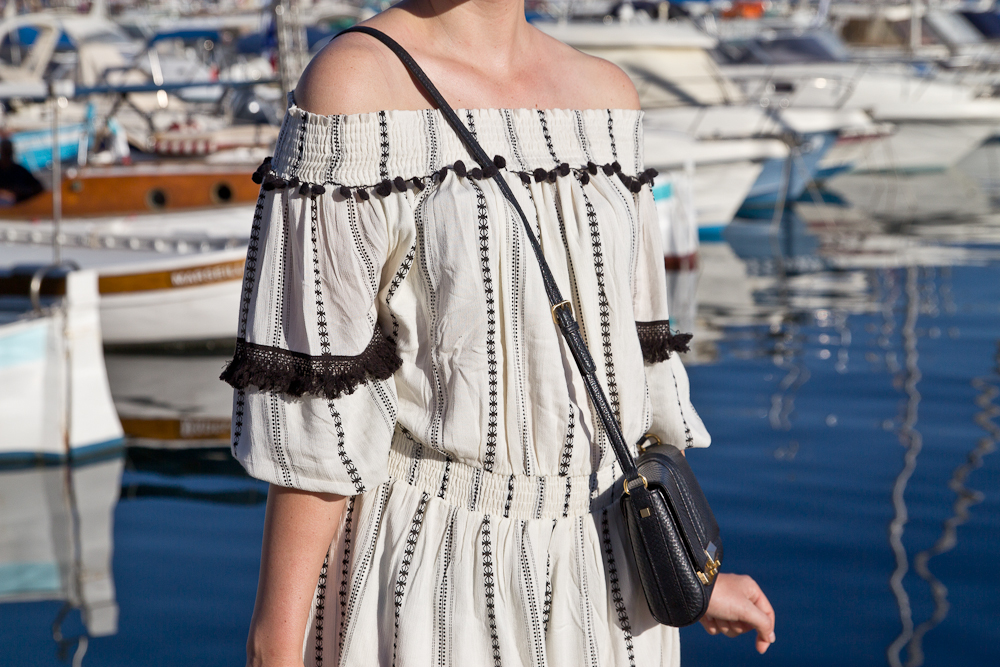 outfit_fashionblog_muenchen_hippie_kleid_bommel_trend_05
