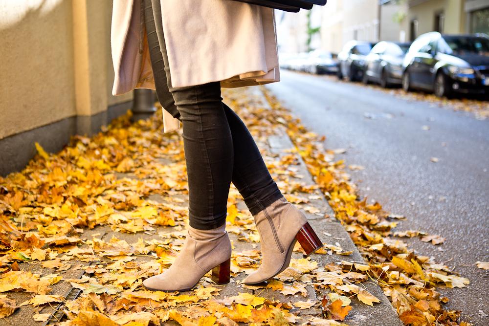 fashion_blog_muenchen_outfit_herbst_karl_lagerfeld_hallhuber_tamaris_05