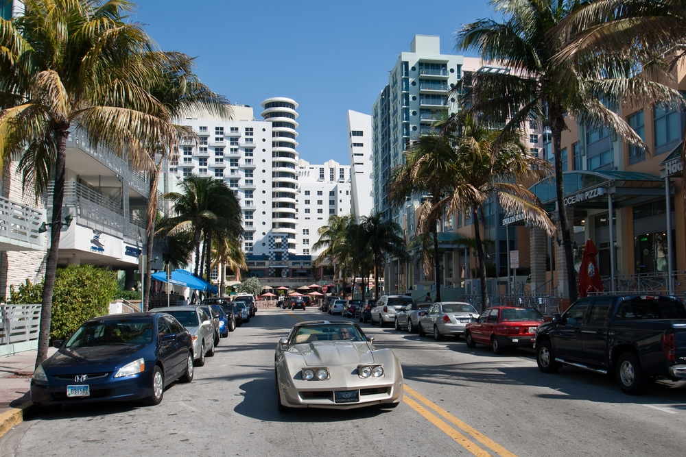 miami_ocean_drive_south_beach_art_deco_airport_MIA_07
