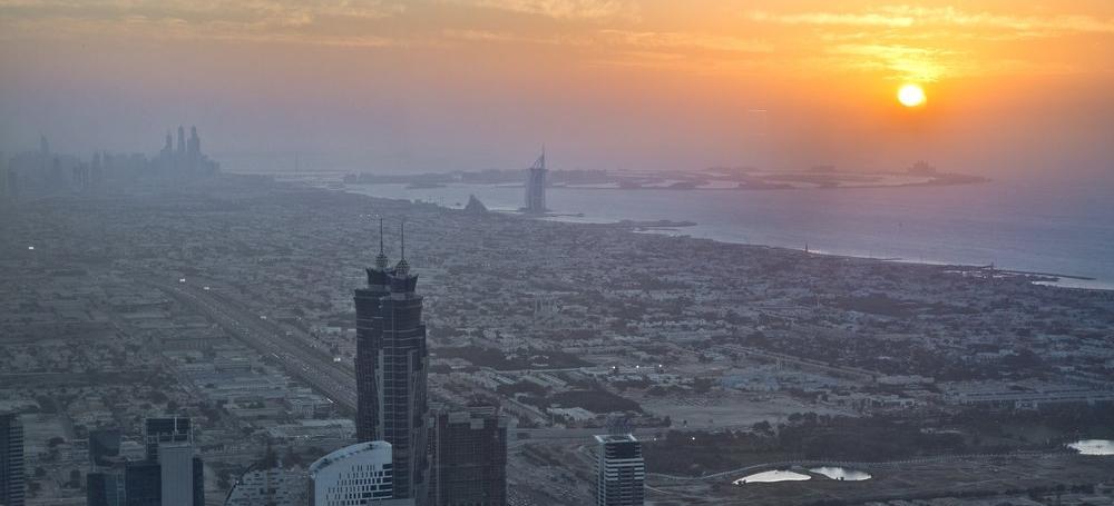 travel_dubai_burj-khalifa_sunset_view