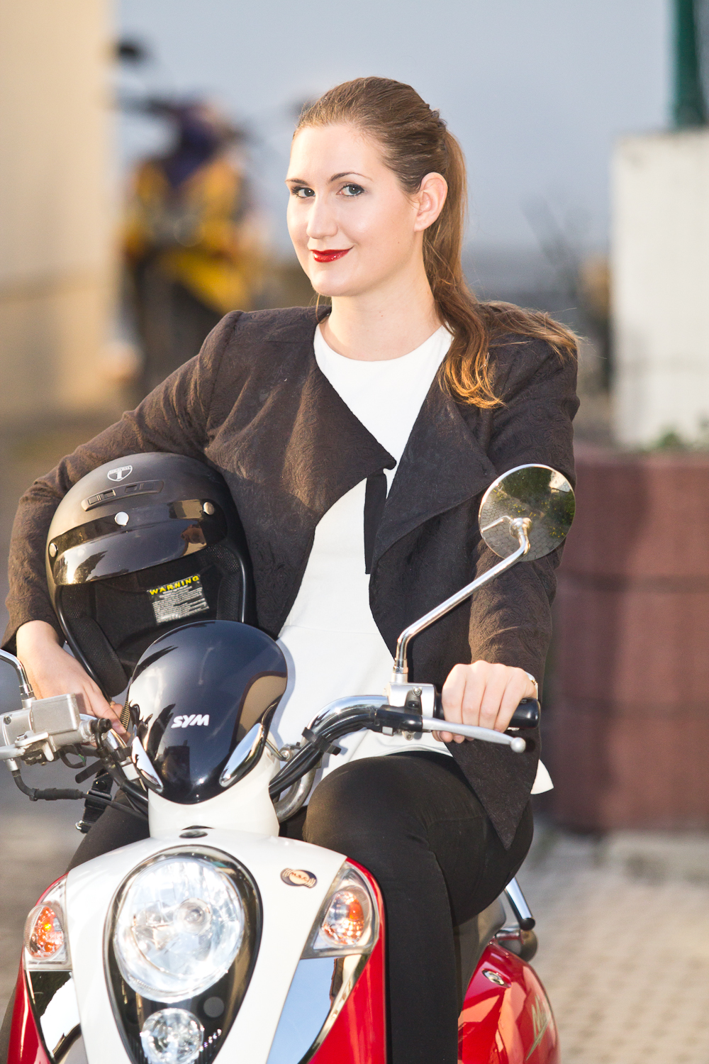 scootergirl_04