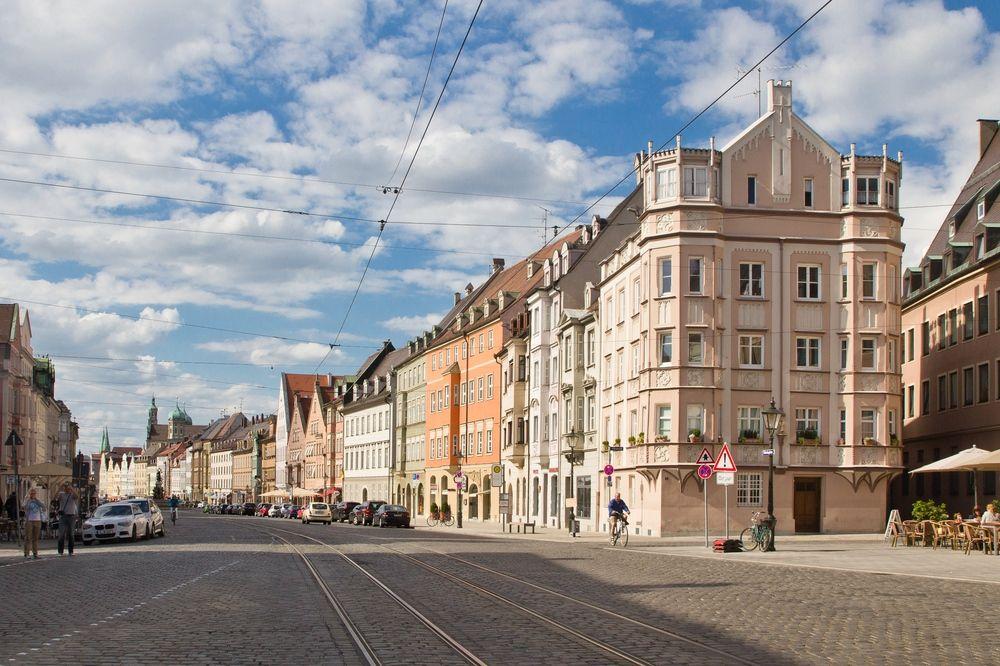 Augsburg_Innenstadt_Rathausplatz_Moritzplat_StUlrich_04
