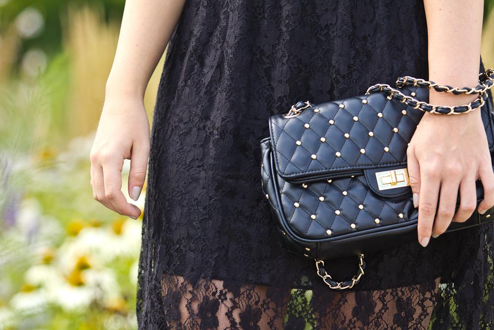 little_black_lace_dress_04