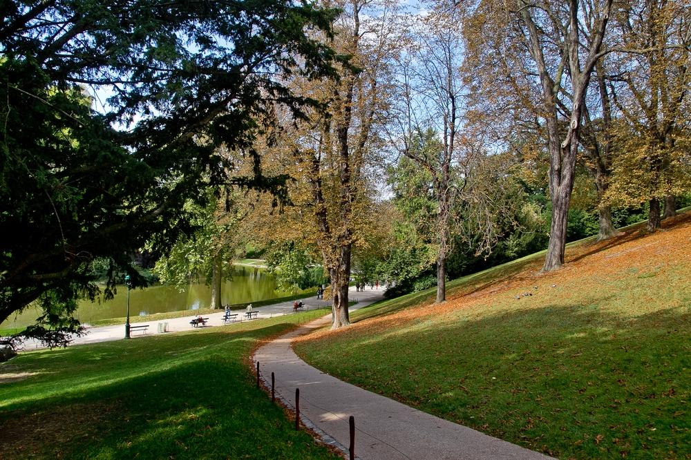 Paris_Parc-des-Buttes-Chaumont_Pere-Lachaise_17