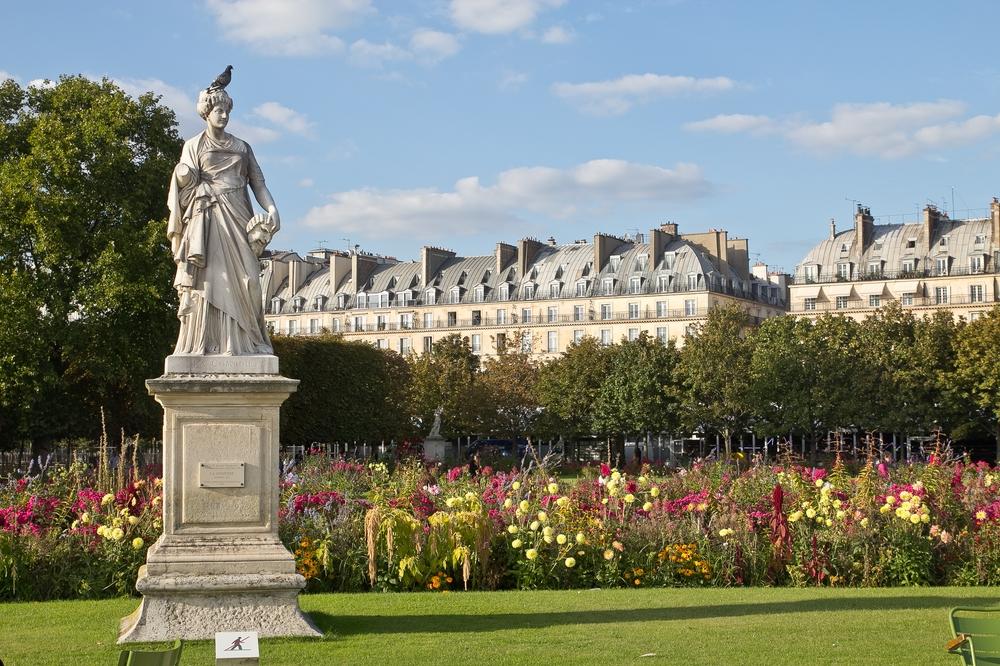 Paris_Parc-des-Buttes-Chaumont_Pere-Lachaise_18