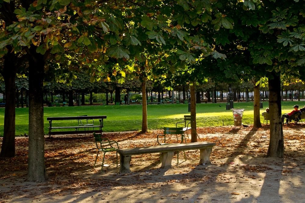 Paris_Parc-des-Buttes-Chaumont_Pere-Lachaise_19