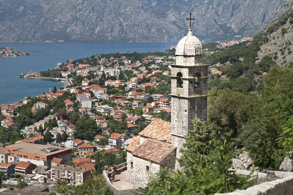 ms-europa-2_luxus_kreuzfahrt_kotor_montenegro_08
