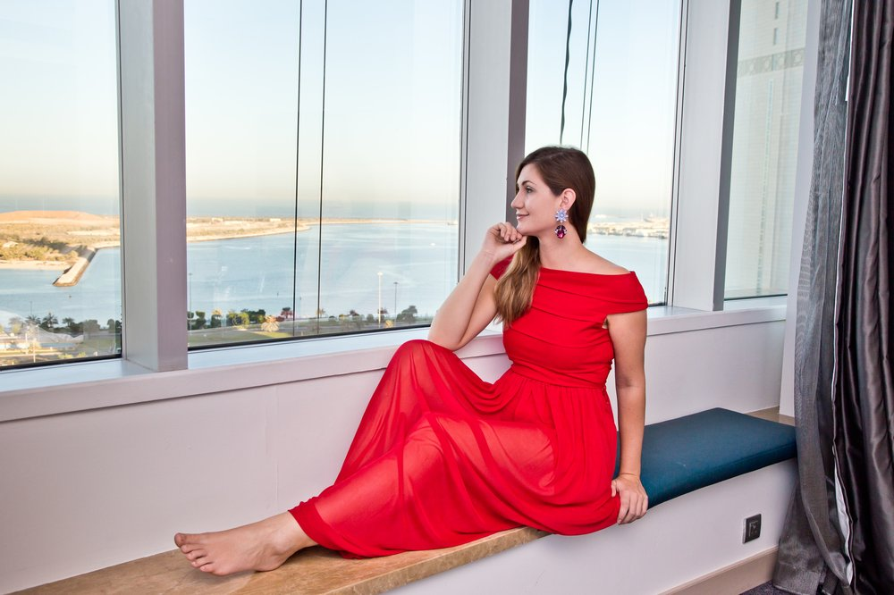 outfit_hotel_le-meridien_rotes_kleid_prada_outlet_08