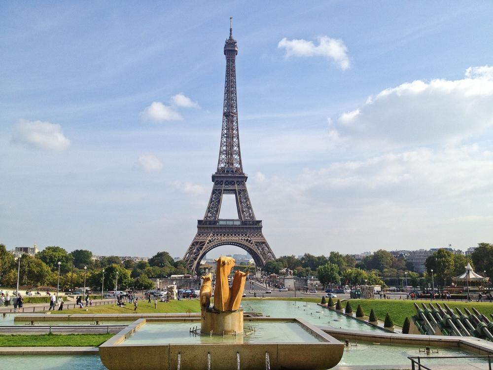 paris_hotel_platine_colonnes_de_buren_louvre_eiffelturm_galerien_02