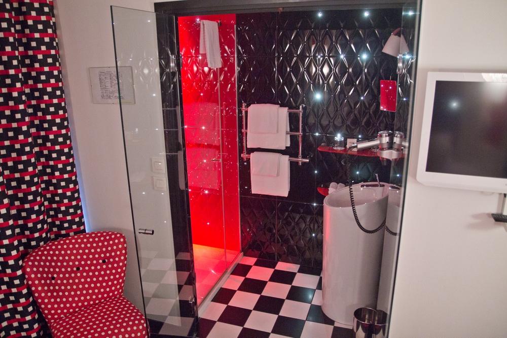 paris_hotel_platine_colonnes_de_buren_louvre_eiffelturm_galerien_05