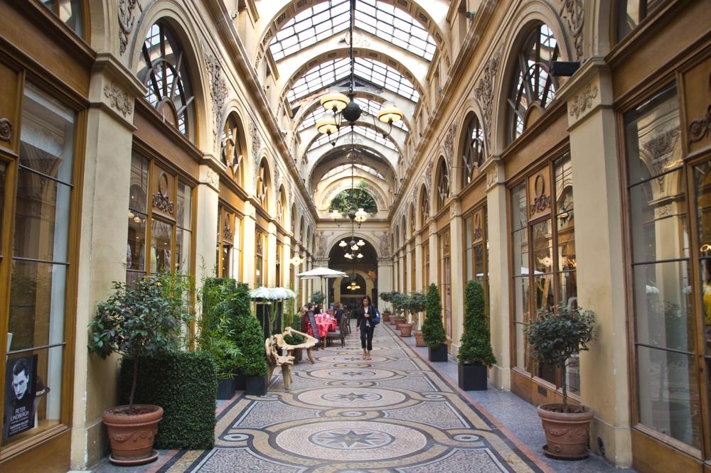 paris_hotel_platine_colonnes_de_buren_louvre_eiffelturm_galerien_09