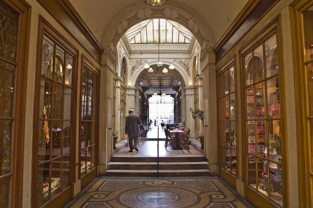 paris_hotel_platine_colonnes_de_buren_louvre_eiffelturm_galerien_10