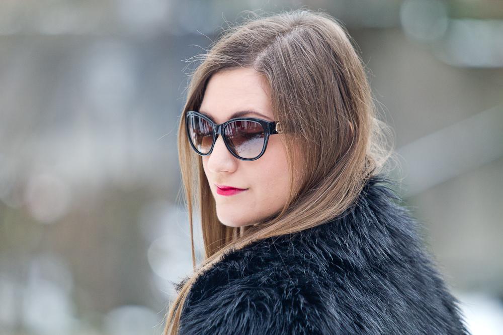 outfit_fake_fur_asos_rebecca_minkoff_mini_bag_winter_fashionblog_07