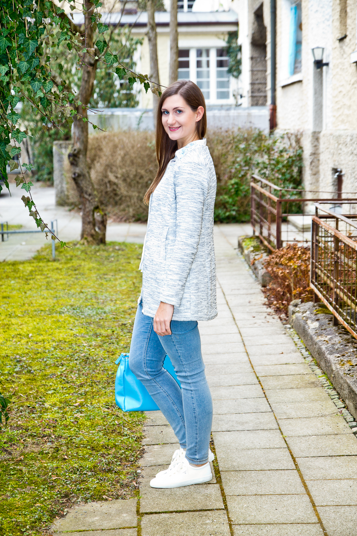 outfit_hallhuber_bluse_weiße_sneaker_gant_furla_mac_dream_skinny_01