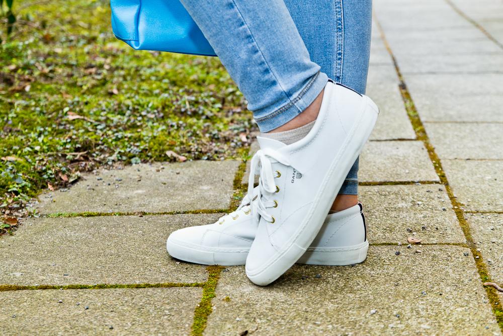 outfit_hallhuber_bluse_weiße_sneaker_gant_furla_mac_dream_skinny_05