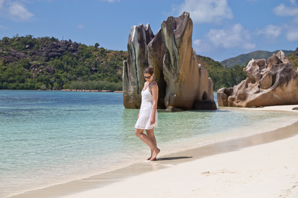 outfit_white_dress_seychellen_curieuse_island_04