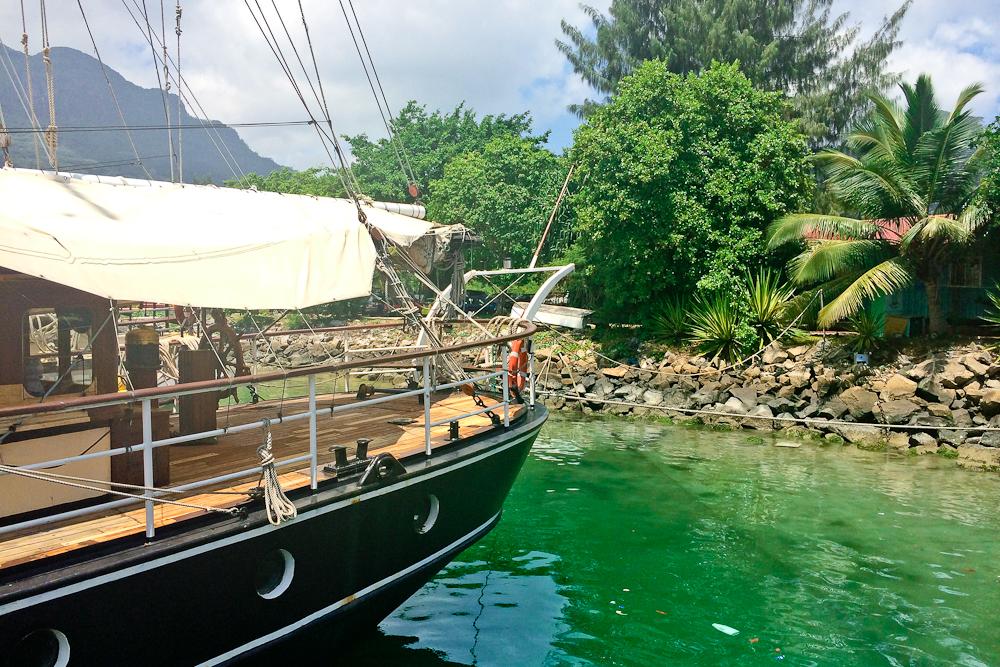 seychellen_mahe_flughafen_Port_victoria_seabird_silhouette_cruises_07
