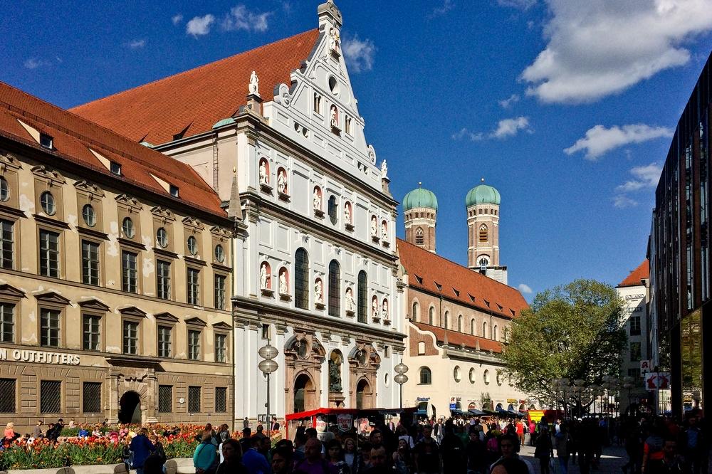 muenchen_fruehling_hofgarten_bayerische_staatskanzlei_nationalmuseum_sehenswuerdigkeiten_09