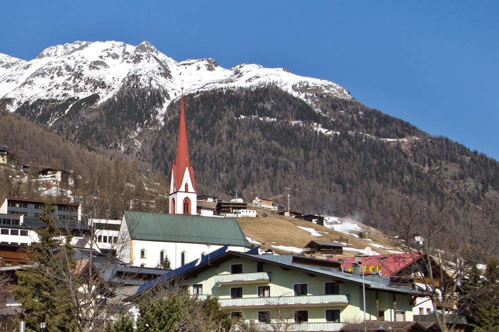soelden_hotel_central_ice_q_ski_view_ausblick_berge_oesterreich_08