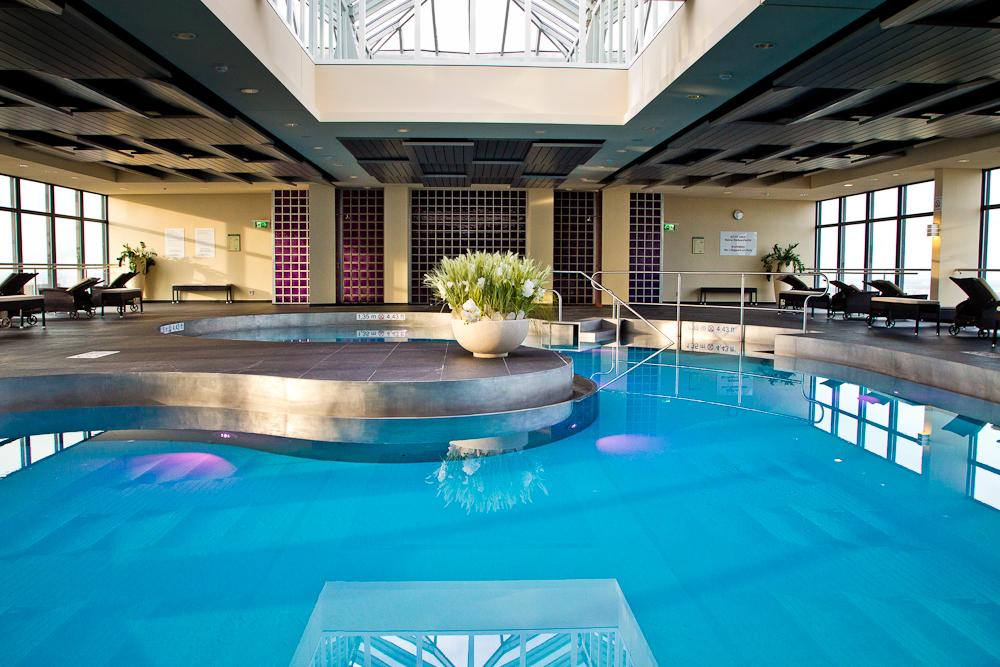 wellness_fitness_sheraton_muenchen_arabellapark_pool_02