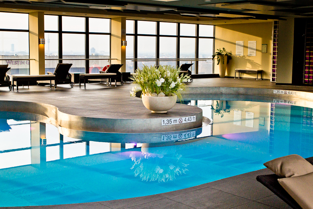 wellness_fitness_sheraton_muenchen_arabellapark_pool_04