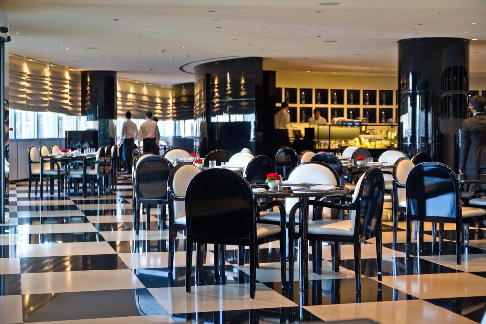 dubai_vae_burj_khalifa_armani_hotel_deli_restaurant_souk_madinat_hotel_24