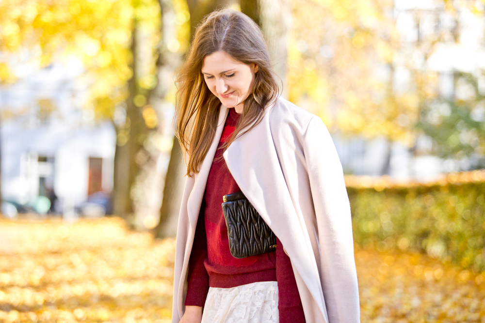 herbst_outfit_stiefel_miumiu_hallhuber_lacoste_molly_bracken_fashionblog_muenchen_fall_autumn_07
