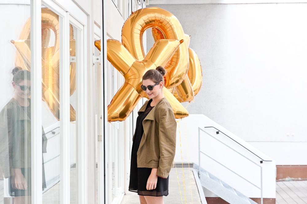 fashion_blog_muenchen_modeblog_outfit_look_hallhuber_molly_bracken_karl_lagerfeld_poncho_cape_bomboogie_rebecca_minkoff_furla_1