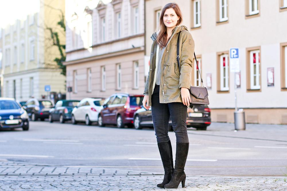 fashion_blog_muenchen_modeblog_outfit_look_hallhuber_molly_bracken_karl_lagerfeld_poncho_cape_bomboogie_rebecca_minkoff_furla_4