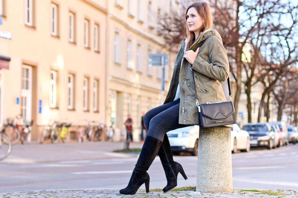 outfit_bomboogie_parka_karl_kagerfeld_tasche_klassik_bag_poi_lei_boots_07