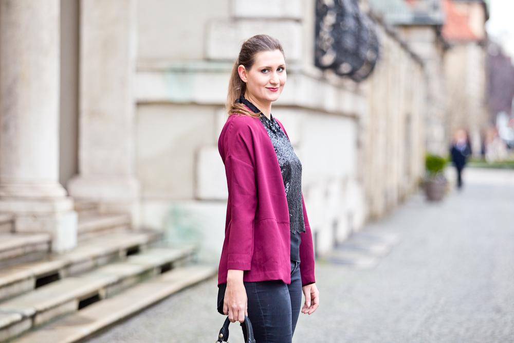 outfit_weihnachten_christmas_gina_tricot_pailletten_fashion_blog_muenchen_modeblog_molly_bracken_06