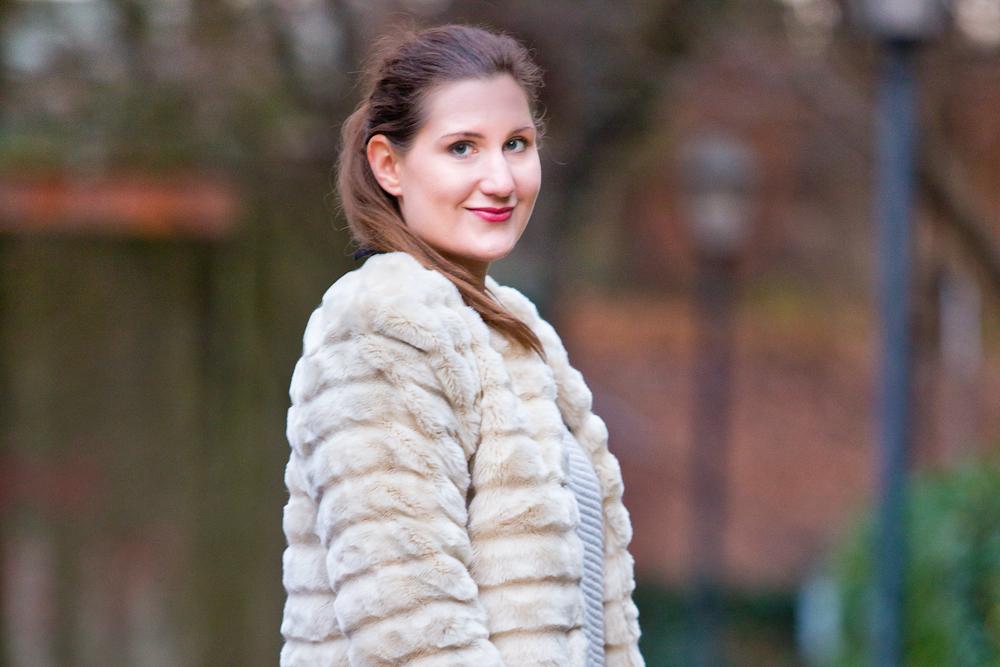 outfit_fake_fur_jacke_weiss_spitzenkragen_modeblog_muenchen_fashionblog_04