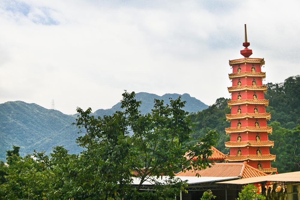 hongkong_china_blog_reiseblog_reisetagebuch_lantau_lamma_island_big_buddha_temple_10000_buddhas_avenue_stars_nan_lian_garden_21