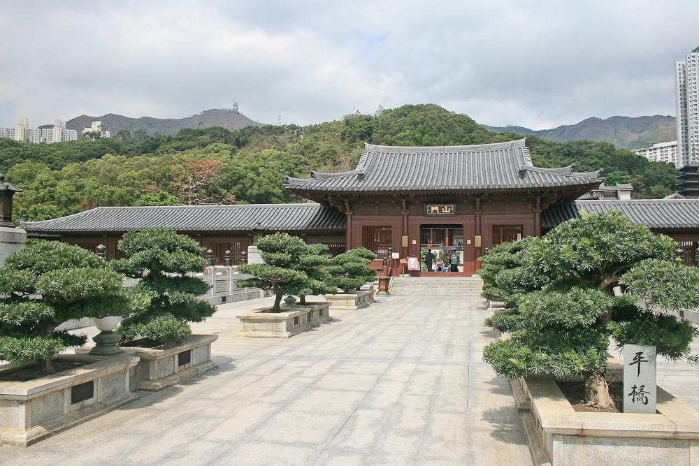 hongkong_china_blog_reiseblog_reisetagebuch_lantau_lamma_island_big_buddha_temple_10000_buddhas_avenue_stars_nan_lian_garden_24