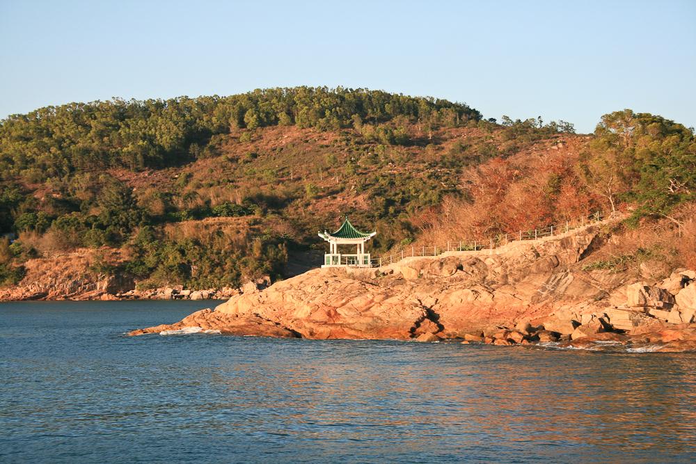 hongkong_china_blog_reiseblog_reisetagebuch_lantau_lamma_island_big_buddha_temple_10000_buddhas_avenue_stars_nan_lian_garden_32