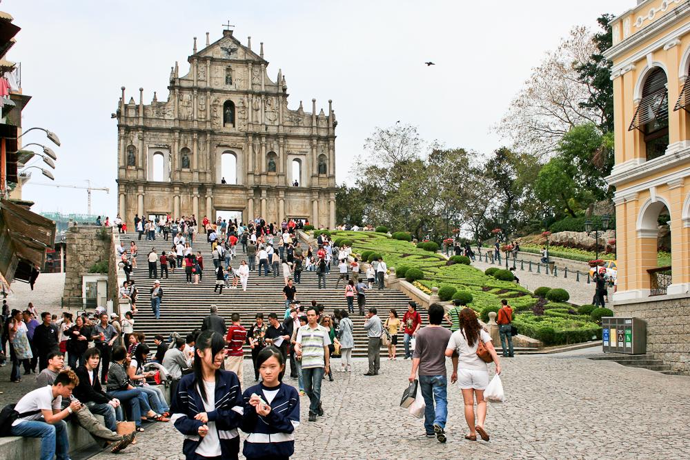 hongkong_china_blog_reiseblog_reisetagebuch_lantau_lamma_island_big_buddha_temple_10000_buddhas_avenue_stars_nan_lian_garden_41