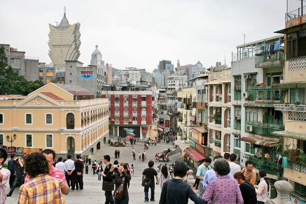 hongkong_china_blog_reiseblog_reisetagebuch_lantau_lamma_island_big_buddha_temple_10000_buddhas_avenue_stars_nan_lian_garden_42