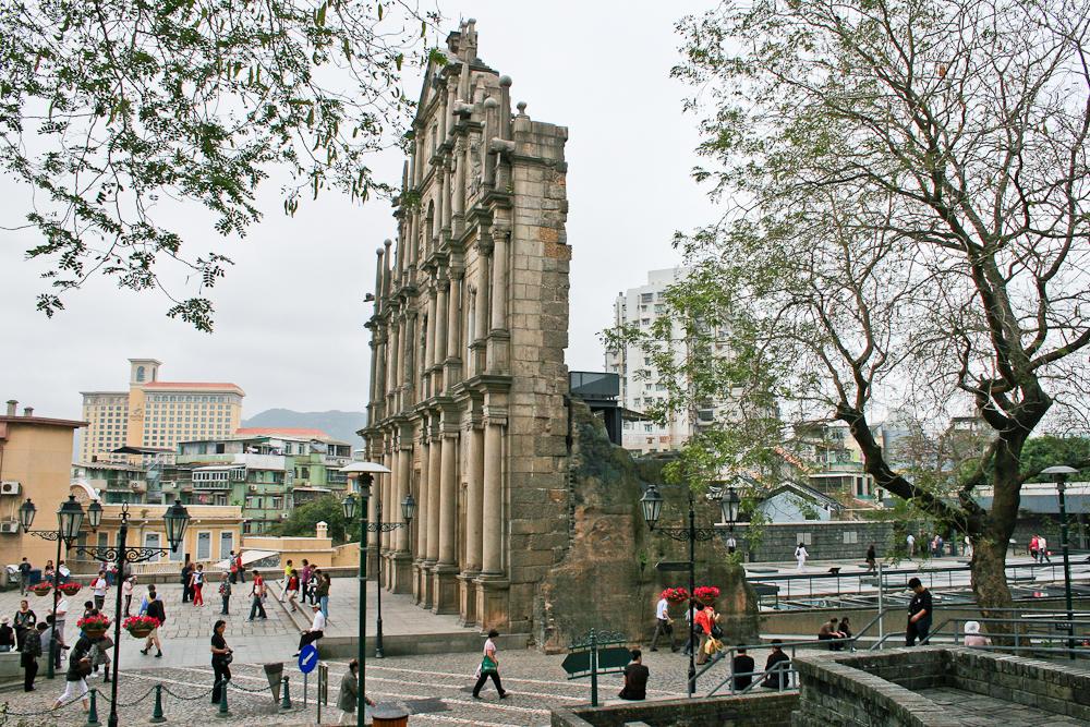 hongkong_china_blog_reiseblog_reisetagebuch_lantau_lamma_island_big_buddha_temple_10000_buddhas_avenue_stars_nan_lian_garden_43