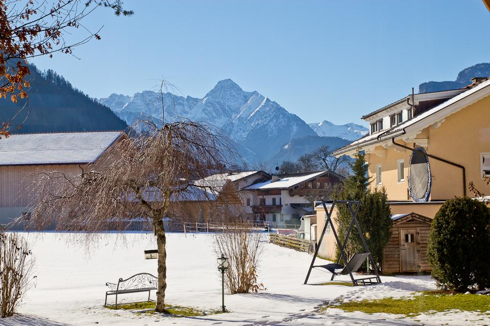 oesterreich_winter_wochenende_ski_rodeln_tirol_hainzenberg_gerloss_zell_ziller_arena_touareg_vw_offroad_mietwagen_hotel_theresa_15